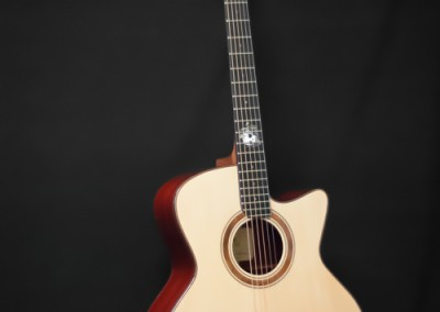 2.Guitare Jumbo Damien Leturcq face avant