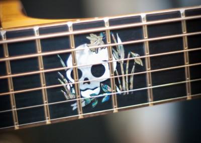 7.Guitare Jumbo Damien Leturcq incrustation sur- mesure