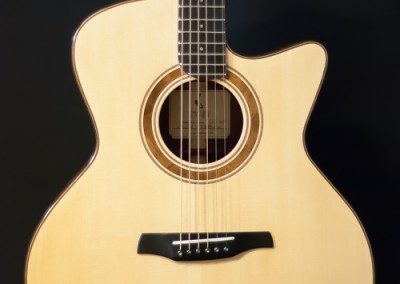 9.Guitare Jumbo Damien Leturcq table d'harmonie